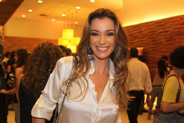 Mônica Martelli em pré-estreia em São Paulo (Foto: Leo Franco e Thiago Duran / AgNews)