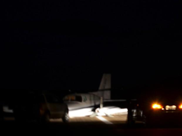 Segundo militares,  a aeronave teve que pousar de imediato, pois o trem de pouso não funcionou. (Foto: Patrocínio Online/Divulgação)