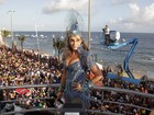 Quinto dia de carnaval em Salvador tem beijaços gays e divas do axé