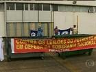Petroleiros fazem greve e protestam contra leilão do Campo de Libra