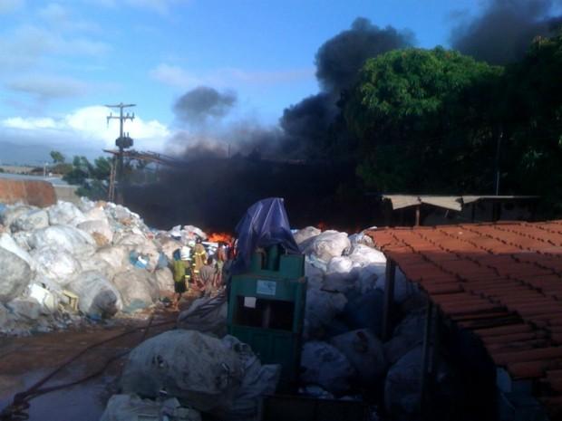 Incêndio (Foto: Adriano Muniz/ TV Verdes Mares)