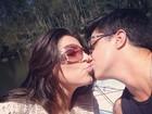 Thammy Miranda dá selinho na namorada: 'Feliz nove meses'