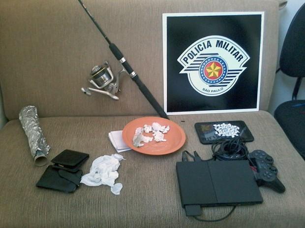 Drogas estavam embaladas para a venda (Foto: Polícia Militar/Cedida)