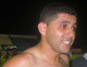 Dico, atacante do Horizonte, comemora vitória contra o Flu (Foto: Thaís Jorge )