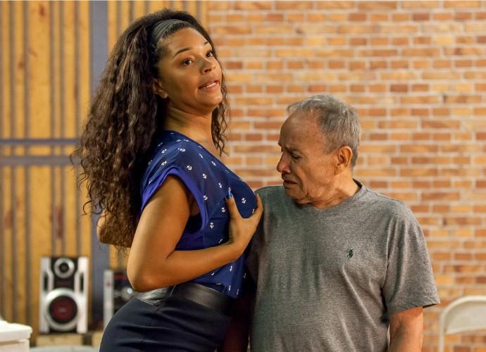 Juliana Alves e Stênio Garcia serão um casal no próximo Tomara que Caia (Foto: Artur Meninea/Gshow)