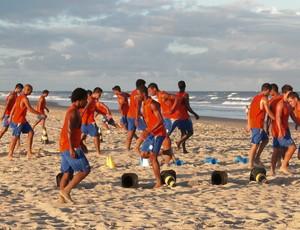 Confiança treina na Praia de Atalaia (Foto: Rozendo Aragão/Divulgação-ADC)