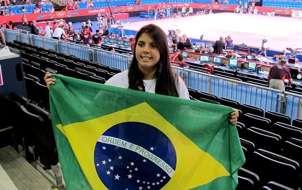 Dora, namorada de Felipe Kitadai em Londres (Foto: Gabriele Lomba / Globoesporte.com)