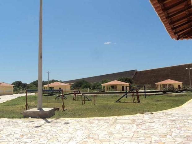 Terminal turístico fica na barragem de Santa Cruz, em Apodi (Foto: Marcos Gil)