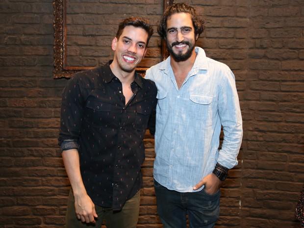 Felipe de Carolis e Renato Góes em peça na Zona Sul do Rio (Foto: Roberto Filho/ Brazil News)