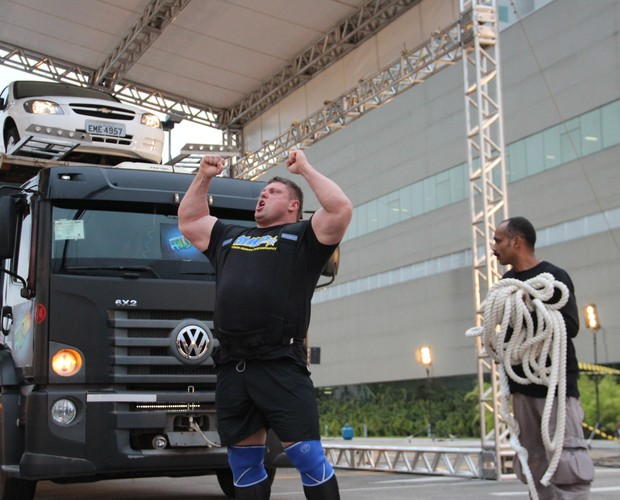 Homem mais forte do mundo (Foto: Domingão do Faustão / TV Globo)