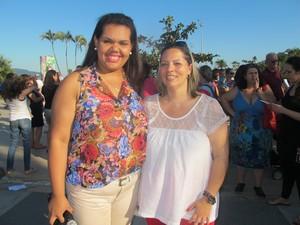 A coordenadora Adriana e Thais, uma das apoiadoras (Foto: Jéssica Bitencourt / G1)