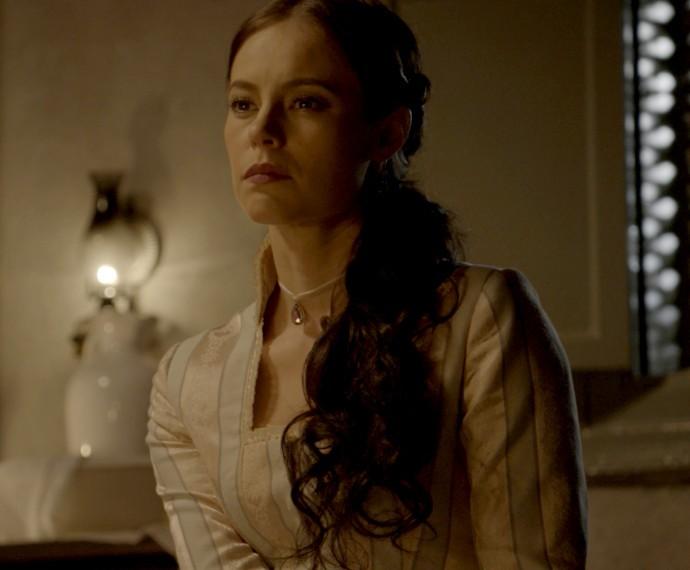 Melissa vai ao quarto de Lívia (Foto: TV Globo)
