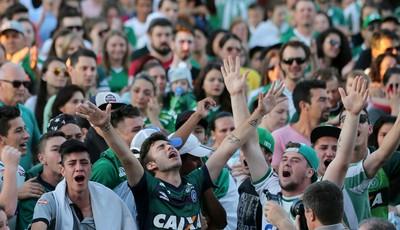 Torcida da Chapecoense na Arena Condá (Foto: Reuters)