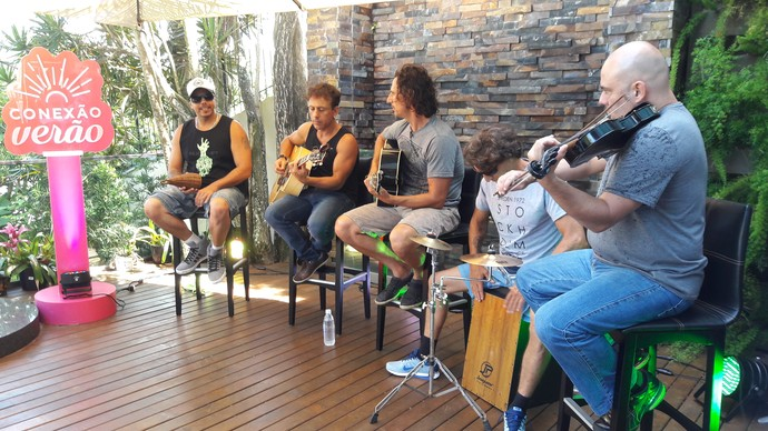 Dazaranha faz o som do último Mistura na Casa de Praia (Foto: Lívia Andrade/RBS TV)