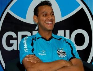 Souza volante Grêmio (Foto: Bruno Junqueira/Divulgação, Trato.TXT)