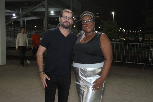 Cacau Protásio e marido (Foto: Thyago Andrade/Brazil News)