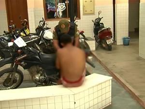 Polícia foi chamada e fez a prisão do suspeito (Foto: Reprodução/TV Tapajós)