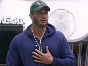 Bambam anuncia que vai deixar o BBB 13 (Foto: Reprodução/TV Globo)