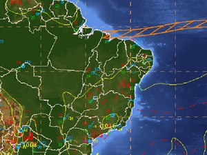 Zcit, indicada em laranja, leva umidade do oceano para norte do país (Foto: Reprodução/CPTEC/Inpe)