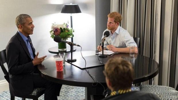 Obama concedeu entrevista a Harry (Foto: Reprodução/Twitter)