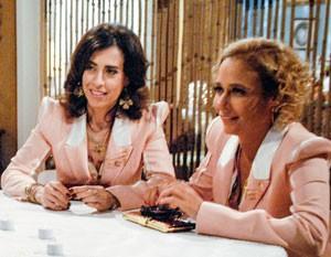 Fátima e Sueli têm que se desdobrar para conciliar amor e trabalho (Foto: Tapas e Beijos/TV Globo)