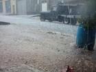 Moradores registram forte chuva de granizo em Itaquaquecetuba