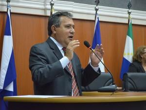 Chico Guerra, do PROS, tomou posse como governador de Roraima (Foto: Jéssica Costa/Ascom-ALE)