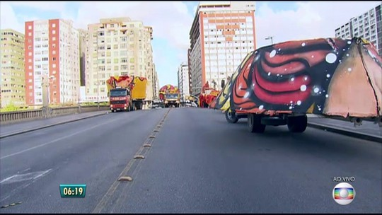 Montagem do galo gigante provoca mudanças no Centro do Recife