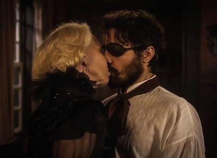 Greta dá beijão em Ferdinando
