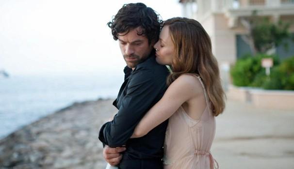 Alex (Roman Duris) começa a se apaixonar por Juliette (Vanessa Paradis) (Foto: Divulgação/Reprodução)