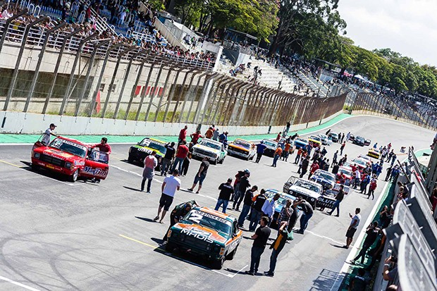 Grid Old Stock Race Interlagos etapa 1 2_abril_2017 (Foto: Divulgação/Andre Lemes)