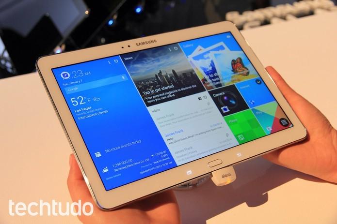 Para comparar, o Samsung Galaxy Tab Pro lançado tem tela de 12,2 polegadas (Foto: Isadora Díaz/TechTudo)