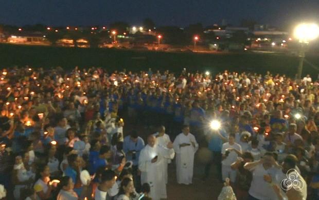 Cerca de cinco mil fiéis seguiram a imagem de Nossa Senhora de Nazaré pelas ruas da capital (Foto: Bom Dia Amazônia)