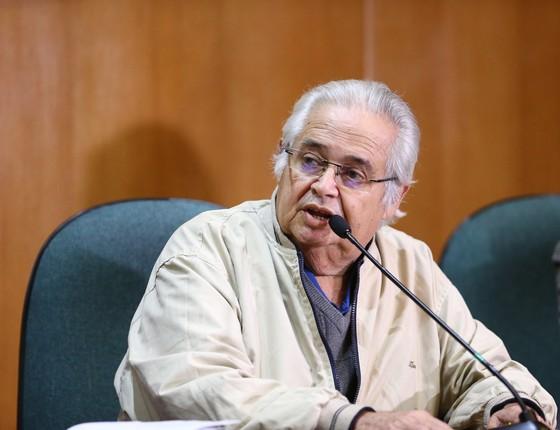 Pedro Corrêa (PP/PE) presta depoimento na CPI da Petrobras na Justiça Federal em Curitiba (PR), na terça-feira (12) (Foto: Geraldo Bubniak/Agência O Globo)