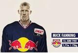Ap�s luta com tubar�o, Mick Fanning � escalado para jogo de h�quei no gelo