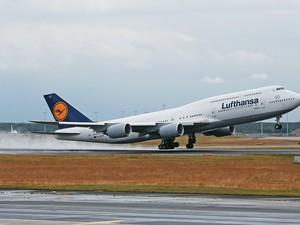 O Boeing 747-8 (Foto: Mario Vedder/AP)