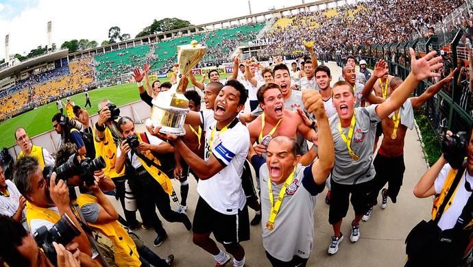 antonio carlos corinthians copa são paulo taça campeão (Foto: Marcos Ribolli / Globoesporte.com)
