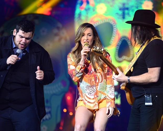 """Lui Medeiros, Claudia Leitte e Pepeu Gomes ensaiando """"Smooth"""" (Foto: Camila Serejo)"""