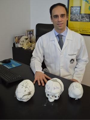 O cirurgião plástico Cássio Eduardo Raposo do Amaral (Foto: Márcia França/divulgação)