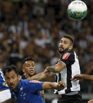 Henrique; Lucas Pratto; Cruzeiro; Atlético-MG (Foto: Washington Alves/Light Press)