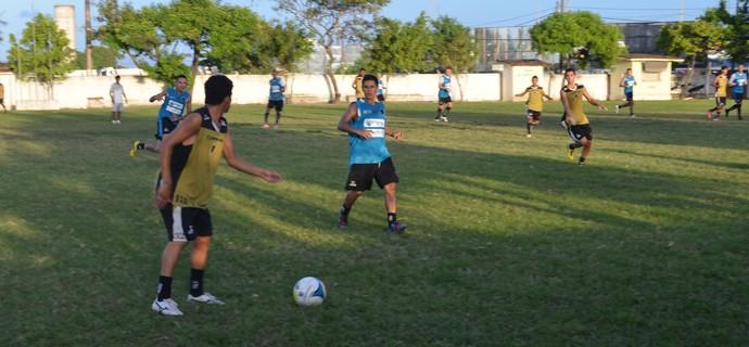 Treino do Botafogo-Pb, no campo da ACEP (Foto: Amauri Aquino / GloboEsporte.com/pb)