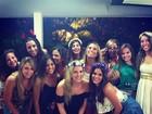 Bruna Marquezine dança 'Lepo Lepo' com amigas. Veja vídeo!