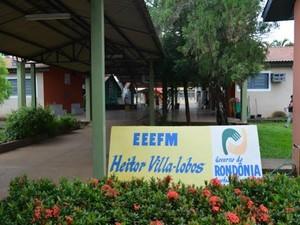Reforma de escola teve licitação suspensa devido irregularidades no projeto (Foto: Eliete Marques/G1)
