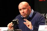 """Dana vê Rockhold como próximo desafiante ao cinturão: """"Faz sentido"""""""