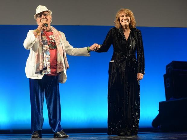 Amir Haddad e Renata Sorrah em prêmio de teatro na Zona Norte do Rio (Foto: Vinicius Marinho/ Brazil News)