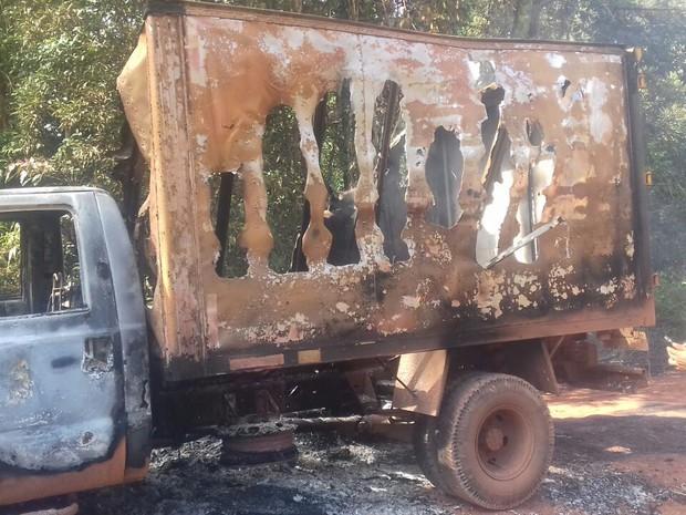 amapá; macapá; veículo incendiado; carro pegando fogo; laranjal do jari; (Foto: Dayveson Araújo/Arquivo Pessoal)