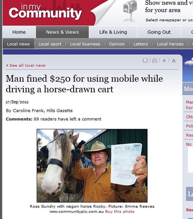 Ross Gundry foi multado ao ser flagrado falando ao celular enquanto guiava uma charrete.  (Foto: Reprodução)
