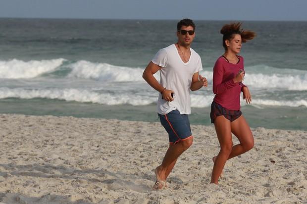 Cauã Reymond e Mariana Goldfarb (Foto: AgNews)