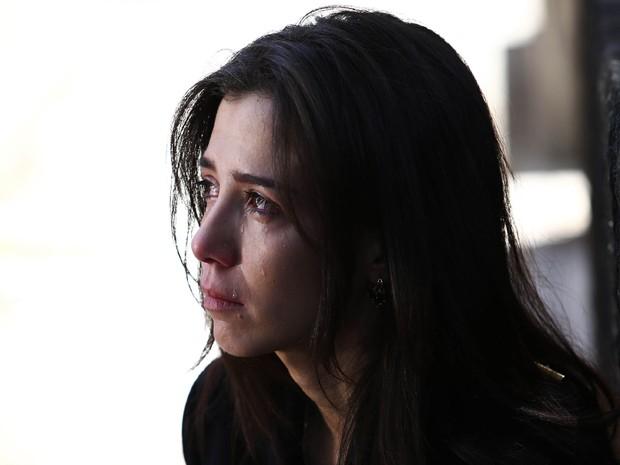 Megera desaba em lágrimas com a morte de José Alfredo (Foto: Raphael Dias/ Gshow)