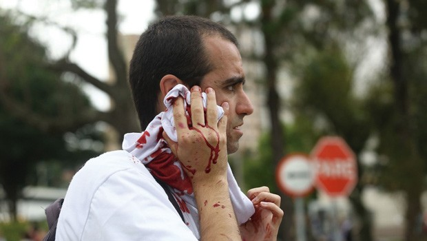 Paraná TV traz detalhes sobre o terceiro dia de greve dos professores (Foto: Giuliano Gomes/ Agência PRPRESS)
